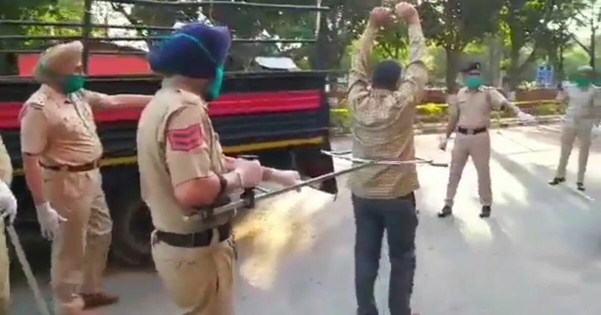 Chandigarh-police-demonstrate-new-device