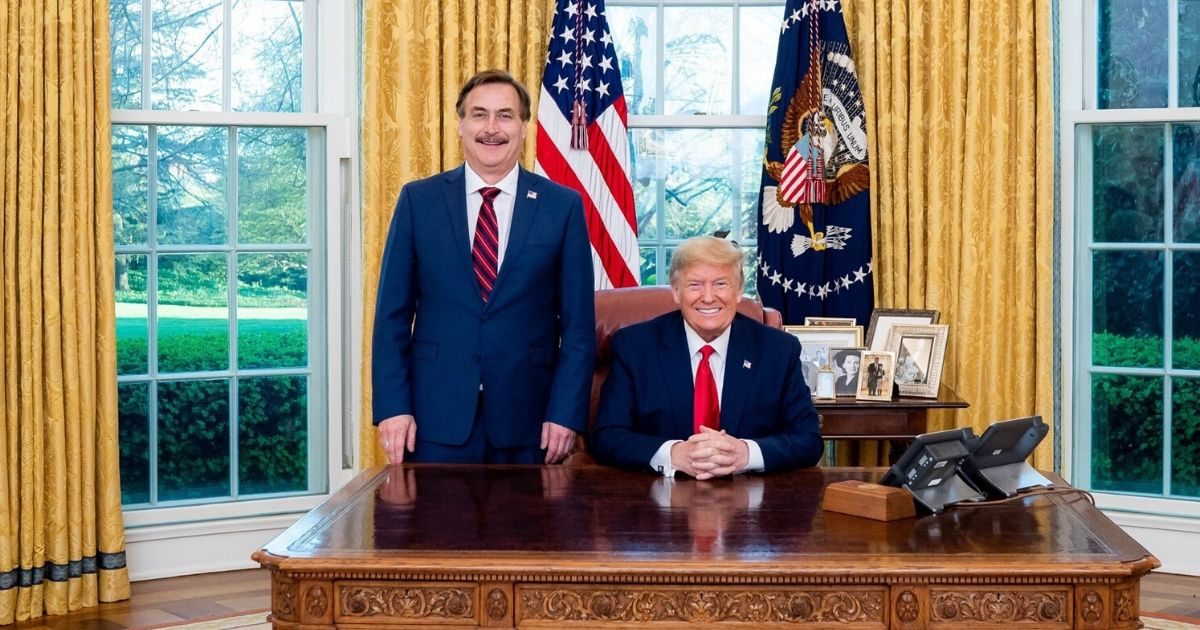 Mike Lindell and President Donald Trump in the Oval Office