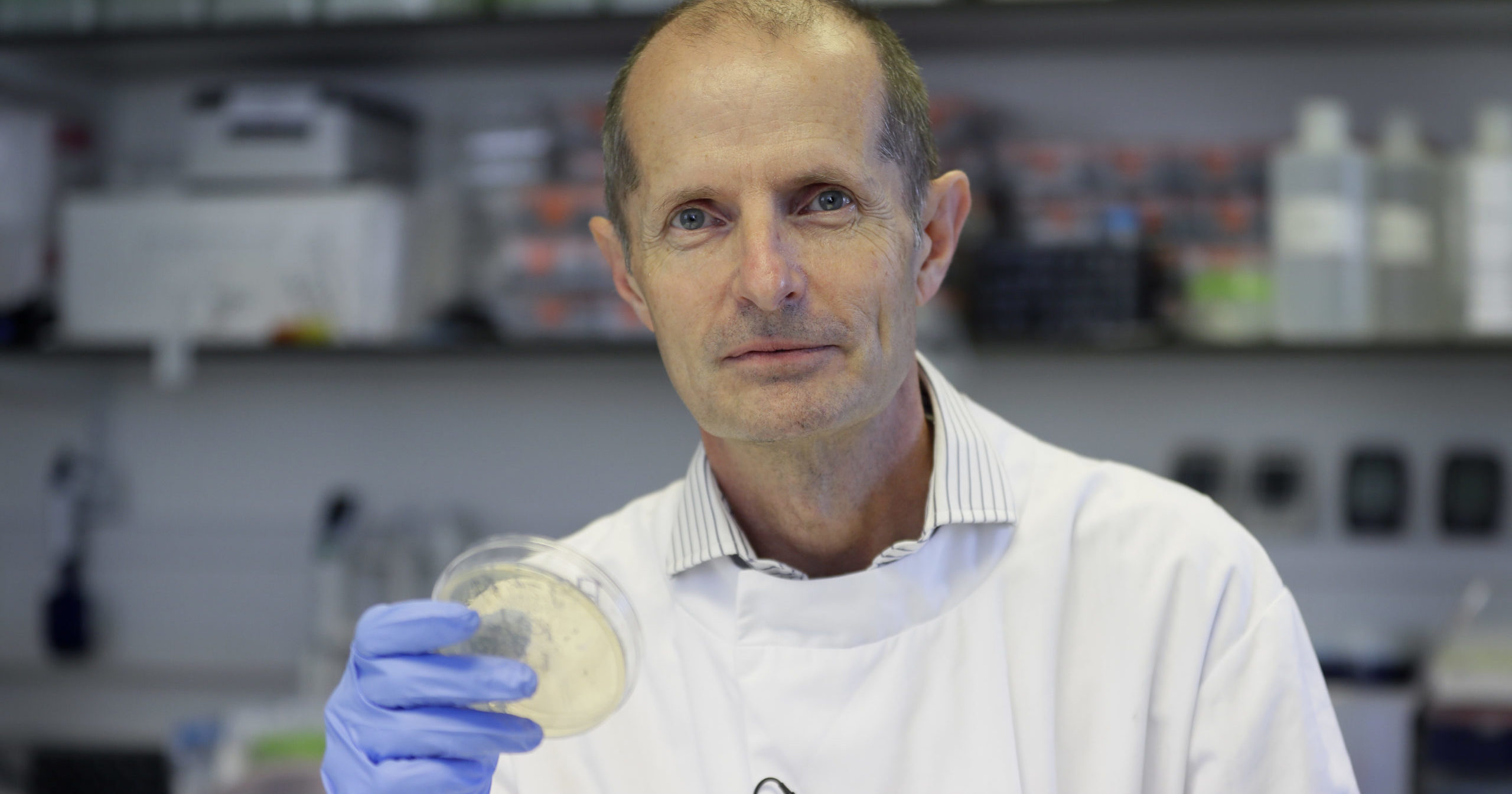 UK Scientists Immunize Hundreds with COVID Vaccine
