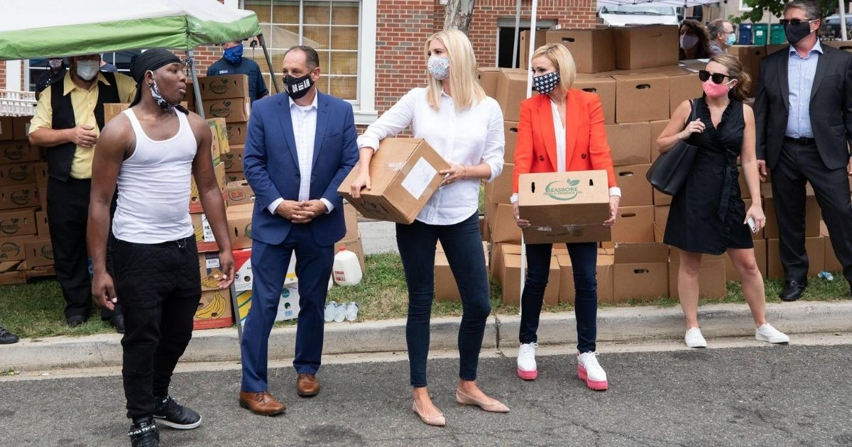 Ivanka Trump hands out boxes of food to people in Washington, D.C.