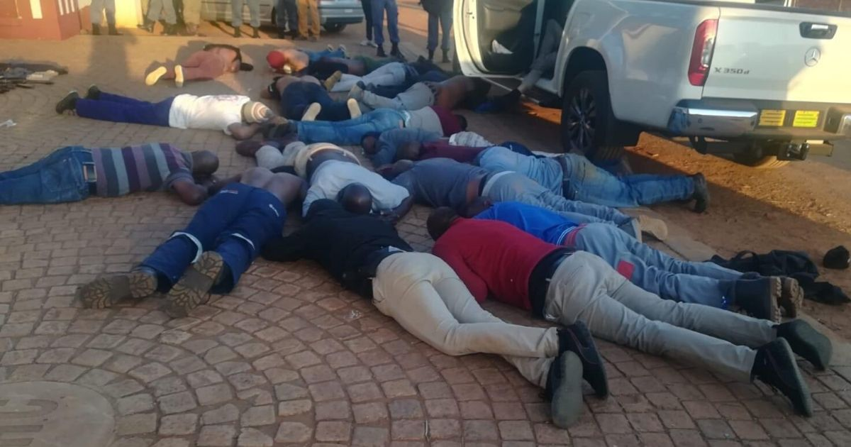 4 Burned to Death, 1 Shot in South African Hostage Situation