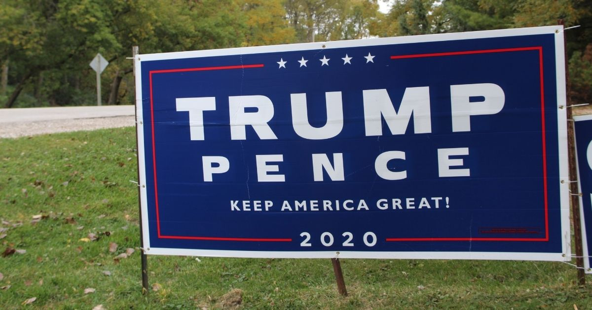 Trump Pence yard sign.'