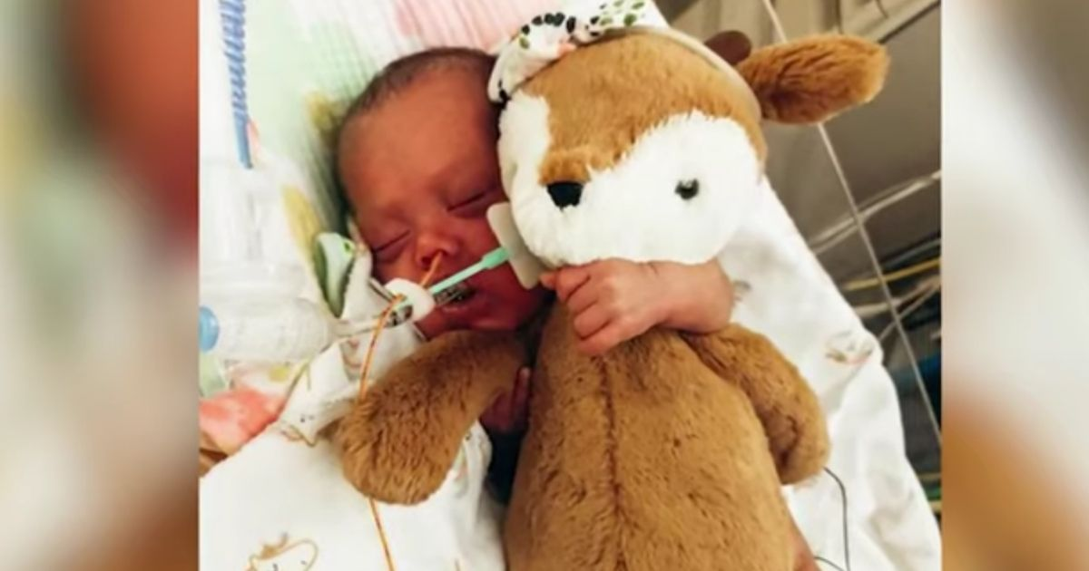 Amelie Grace Bacuyani was born on Nov. 30, 2020, at only 23 weeks gestation. Her parents are packing up everything and moving to Ohio to admit her to a hospital with an excellent neonatal intensive care unit that can properly care for the baby.