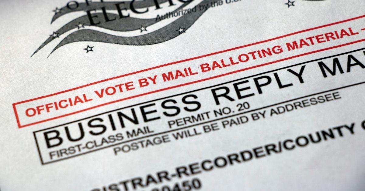 Picture of an absentee ballot envelope.