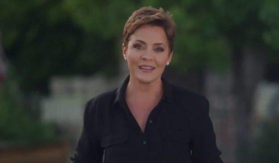Kari Lake announces her bid for governor of Arizona