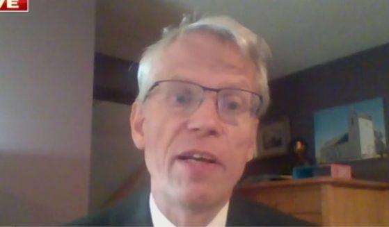 Harvard Medical School professor Martin Kulldorff discusses the new federal guidance on masking on Fox News on Friday.