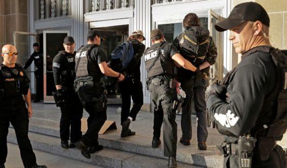 Kansas-City-Police-559x327.jpg